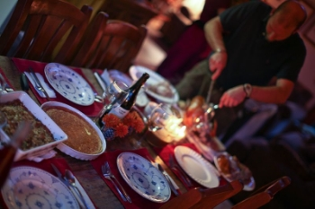 thanksgiving-table-safety