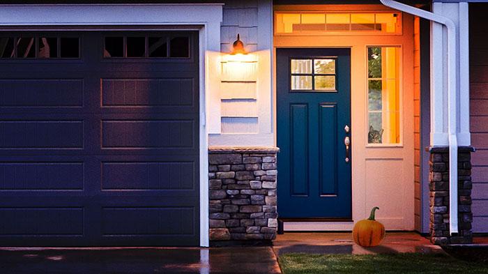 House-With-Pumpkin-Cat.jpg