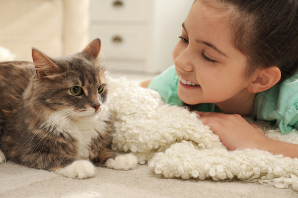 Cat-with-young-girl