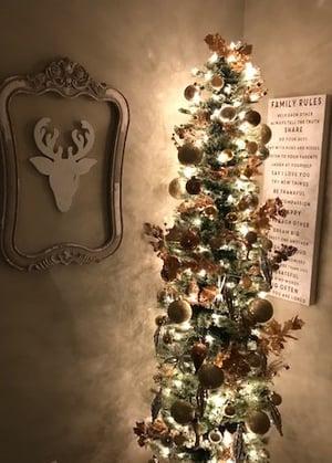 christmas-tree-cat-hazard
