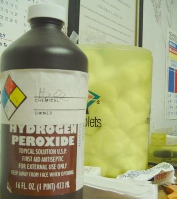 Hydrogen-Peroxide-Wounds.jpg